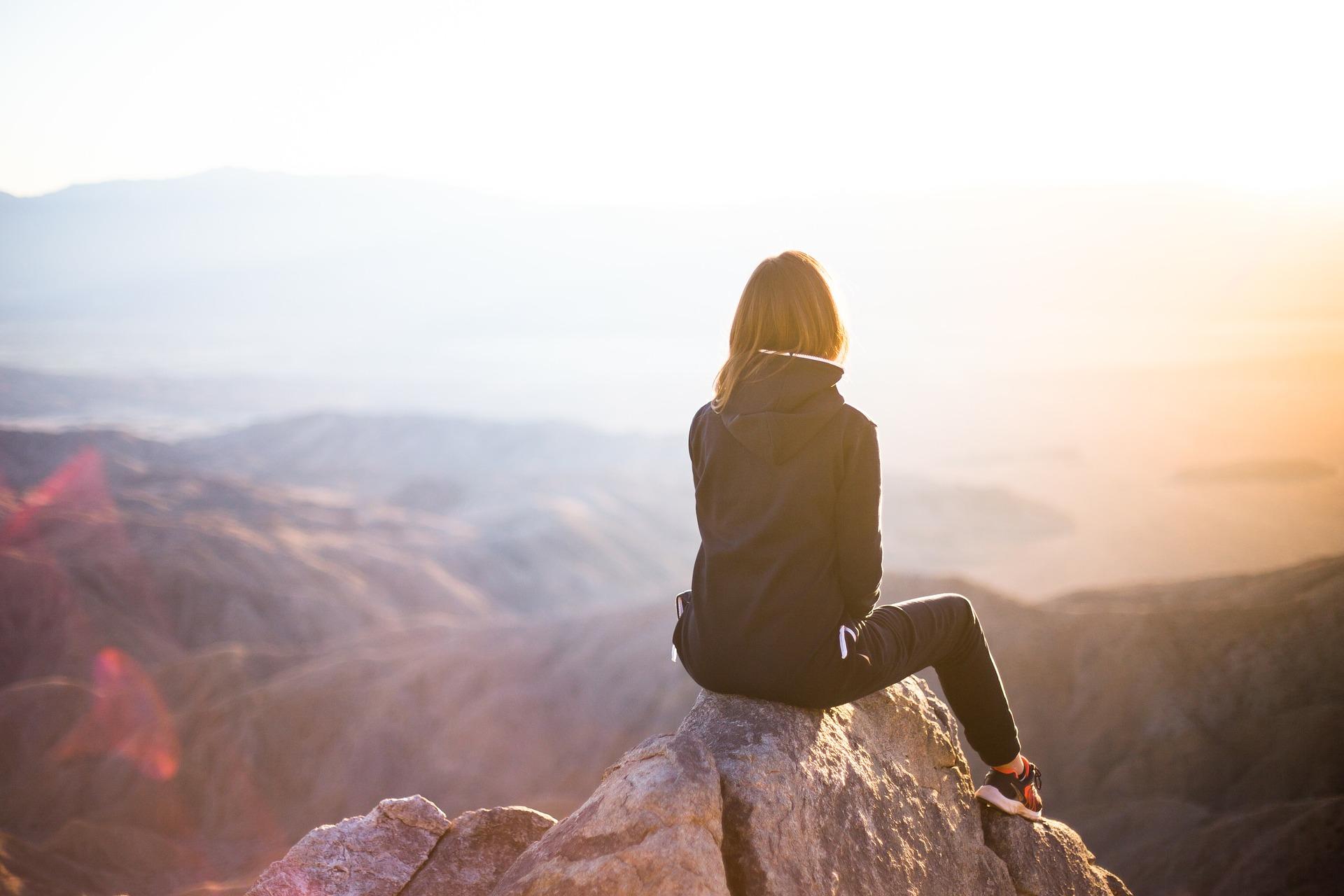 Magabiztos sodródás – mitől félnek, miben bíznak a mai fiatalok?