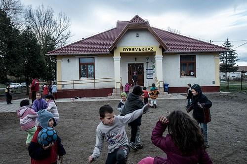 Tanulj, fiam! – A nem roma férfiak életlehetőségeit határozza meg leginkább az iskolázottság