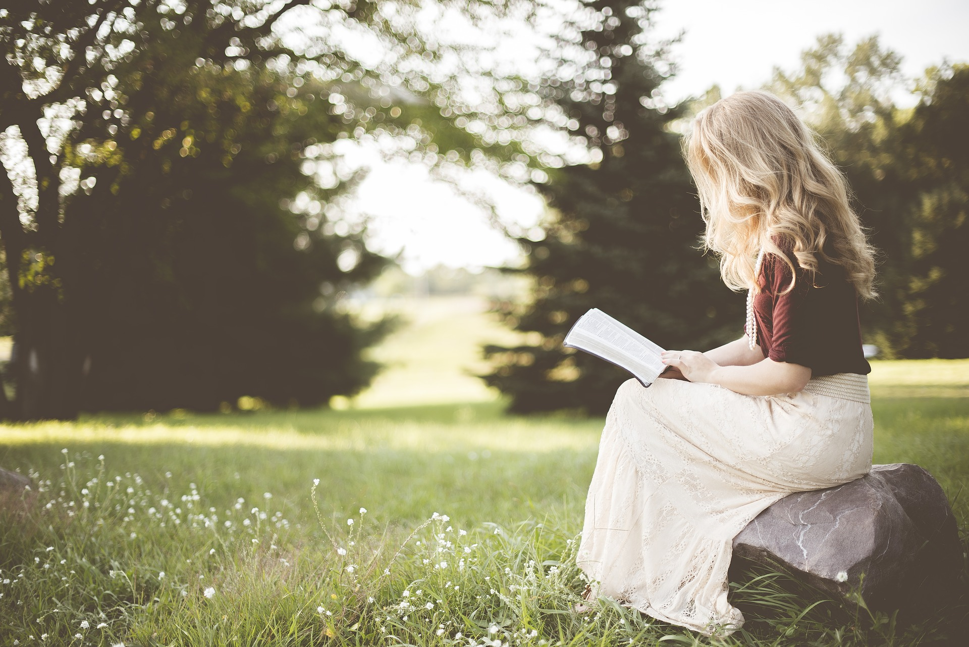 Kertészkedésre költünk többet vagy könyvekre? – Beszélő számok a háztartások kultúrára, szórakozásra szánt kiadásairól