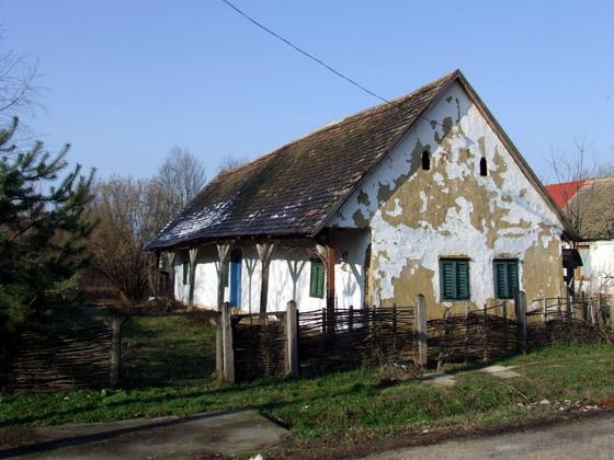 Régi ház egy zsákfaluban