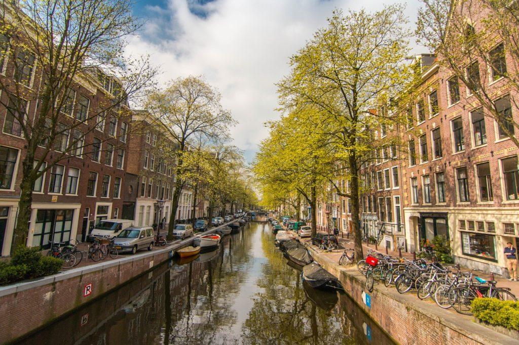 amsterdam-1089645_1280