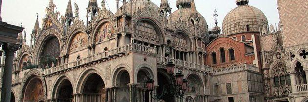 Hogyan használják a turisták Budapest, Bécs és Prága városi tereit?