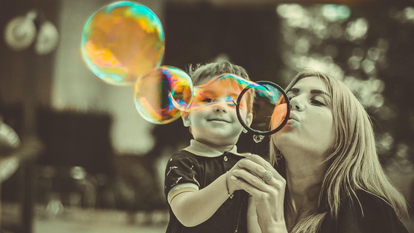 A gyerekvállalás nem okoz anyagi gondot – amíg egyben van a család